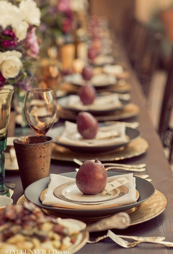 Thanksgiving Inspiration: Designing the Perfect Table Setting