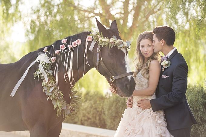 glam-horse-wedding-inspiration-KLK-PHOTOGRAPHY-Glamour-Grace-13-680x454